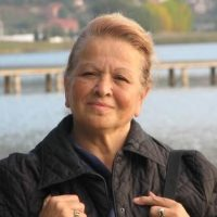 2- Prof.Dr. Gülsün Parlar